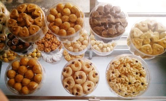 paket-kue-lebaran-aneka-rasa-kue-enak-harga-terjangkau-murah-kue-kering-keripik-segala-macam-makanan-lebaran 10 Peluang Bisnis Online selama Ramadhan  wallpaper